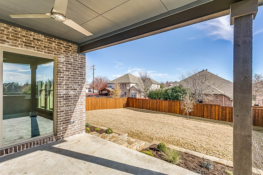 https://lingenfeltercustomhomes.com/wp-content/uploads/2018/03/3616-Grant-Ct-Flower-Mound-TX-print-071-8-Grant-Ct-10-of-71-2704x1803-300dpi.jpg